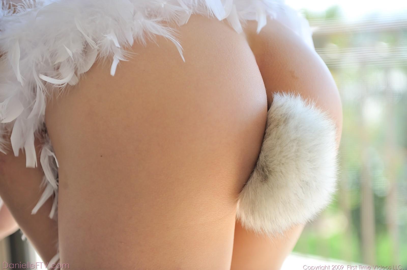 Bunny tail anal