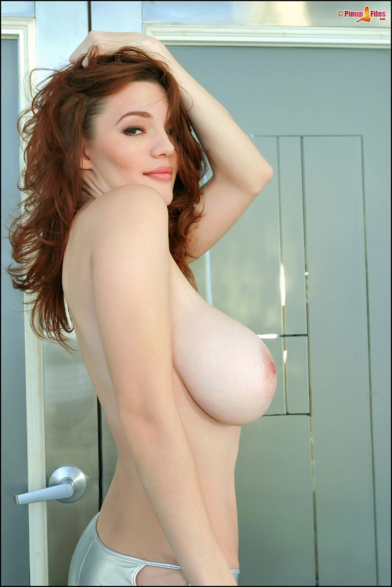 Danielle Riley's huge natural boobs at Busty Girls Blog