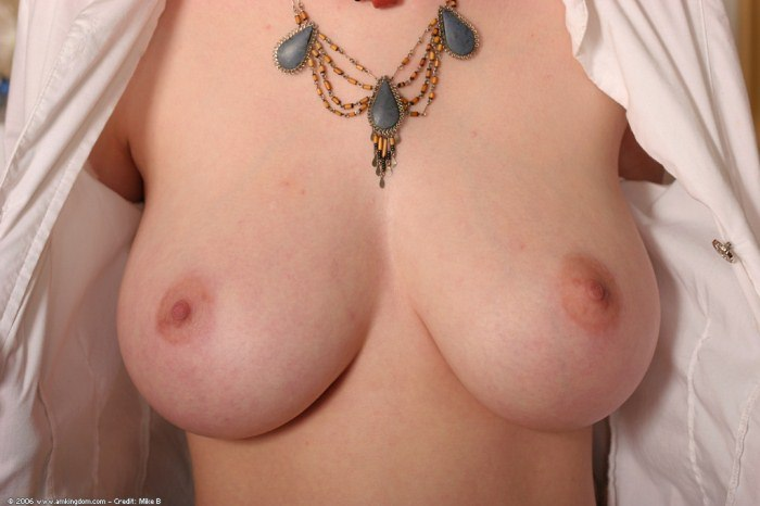 32d breasts nude
